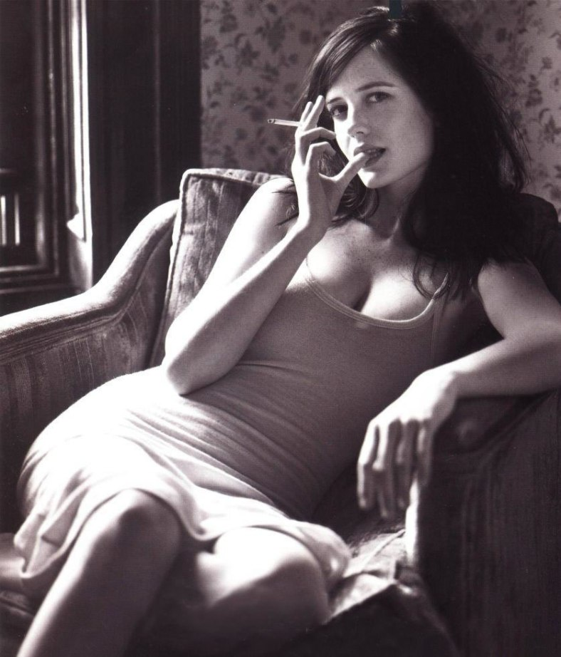 eva-green-smoking